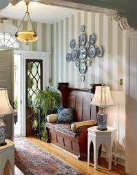 Cool Small Entryway Ideas (Image 1 of 10)