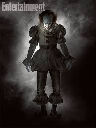 """veja traje de pennywise o palhaco da refilmagem de """"it uma obra  veja traje de pennywise o palhaco da refilmagem de """"it uma obra prima do medo"""""""