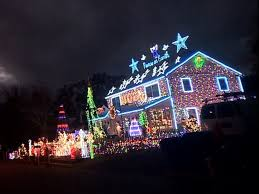 christmas home lighting. PHOTO: Christmas Decorations At The Connecticut Home Of Mary Halliwell And Her Family Have Sparked Lighting