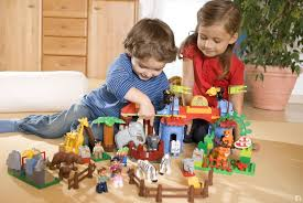 Lợi ích của đồ chơi thông minh đối với trẻ qua từng lứa tuổi