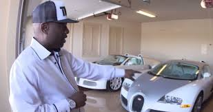 Floyd mayweather has one of the biggest car collections in the world. Video Floyd Mayweather S 20m Car Collection Will Make You Weep Joe Co Uk