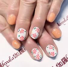 花柄ネイルデザイン28選夏や秋に合う簡単なセルフアートのやり方は