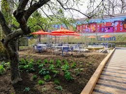 beer gardens at the philadelphia zoo