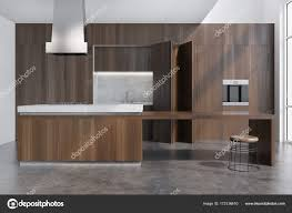 Dunkles Holz Esszimmer Mit Bar Stockfoto Denisismagilov