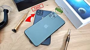 iPhone 11 Pro Max VS. Clone/Replica ...