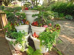 container garden tower pyramid vegetables