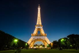 Could the Eiffel Tower be getting a more colourful makeover? - Lonely Planet
