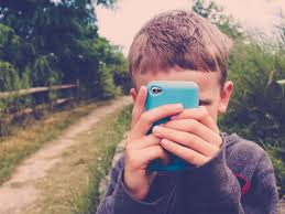 should kids and tweens have cell phones