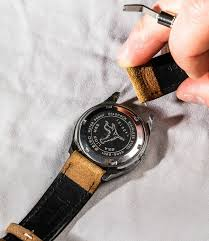 again be careful when pulling the spring bar toward you not to drag it across the watch case and scratch the lug
