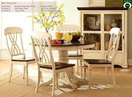 8 nice country style round kitchen tables