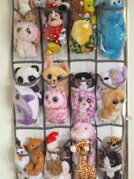 I hope this simple idea helps with organizing your child's stuffed animal  friends!