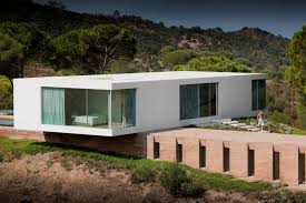 simple modern house. Fine Simple Simple And Modern House With Overlapping Volumes In The Cross Shape Throughout