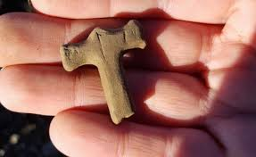 the small thor s hammer amulet was carved out of sandstone
