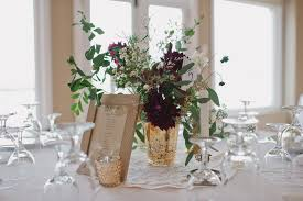 How To Arrange Your Own Wedding Centerpiece