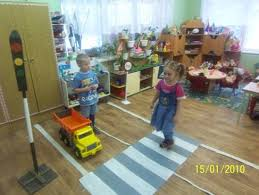 Опыт работы с детьми среднего дошкольного возраста Правила   Детские работы по правилам дорожного движения
