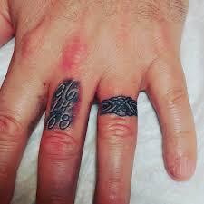 тату кольца на безымянном пальце мужчины фото рисунки эскизы