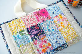 Quilted Book Bag Pattern | FaveCrafts.com & Quilted Book Bag Pattern Adamdwight.com