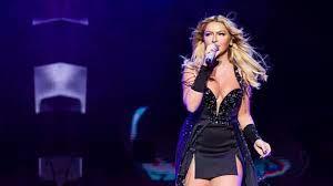 Ünlü şarkıcı Hadise, yeni şarkısının başarısını siyah minisiyle dans ederek  kutladı - Haberler Magazin