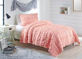 better homes garden blush ruffle t txl quilt set with tote 3 piece com