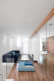 Ruimtelijke Smalle Woonkamer Door Glazen Wand Interieur Inrichting