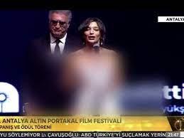 Ödül töreninde boş boş konuşan Nihal Yalçın'a sunucu Tamer Karadağlı bile  dayanamadı! - Dailymotion Video