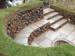 Retaining Wall Seating Diy Stone Fire Pit With Seating Dry Stone Seating Area And Fire