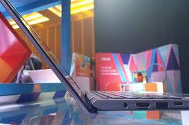 Jadi keseluruhannya kualitas laptop asus tidak perlu anda ragukan lagi. Spesifikasi Dan Harga Laptop Asus Vivobook Ultra A412