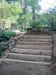 Um von deiner terrasse in deinen garten zu schreiten, fehlt dir noch die passende bevor man mit dem bau einer treppe beginnt, gibt es einige. Gartentreppe Holz Gartenideen Mit Treppen