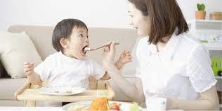 Gợi ý thực đơn 3 bữa giúp trẻ ăn ngon miệng, tránh táo bón