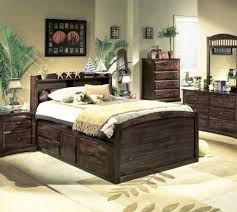Small Master Bedroom With Storage Very Small Master Bedroom Ideas Design Surripuinet