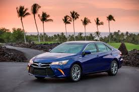 2016 Toyota Camry Hybrid Reviews and Rating | Motor Trend