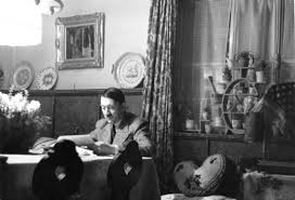 Resultado de imagen de Hitler en la intimidad