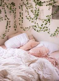 fake ivy vines room inspiration