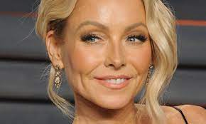 Kelly Ripa transforms appearance with ...