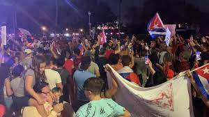 Cuba protests blocking lanes of Dale ...