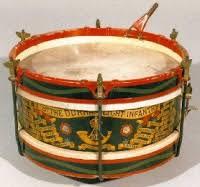 Meskipun angklung merupakan alat musik tradisional, alat musik ini bisa digunakan bersamaan dengan alat musik modern lainnya seperti drum,keybord, dan gitar elektrik misalnya. Alat Musik Tanjidor Budaya Betawi Yokatta