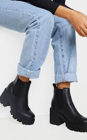 The leather and hard sole makes the shoe look. Black Wide Fit Chunky Heeled Chelsea Boot Prettylittlething Usa