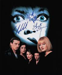 Amazon.com : Scream 8 x 10 movie poster, Neve Campbell, Skeet Ulrich, David  Arquette : Everything Else