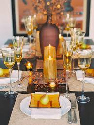 Decorations. Inspiring Modern Thanksgiving Table Decor Alongside Berries  And Twigs In Urn Centerpiece Idea And