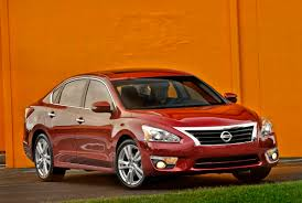 2013 Nissan Altima review, prices & specs