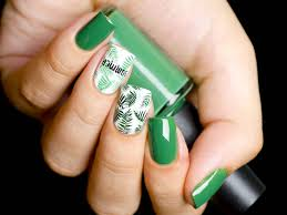 as we ve already elished there are ways you can make your nails look perfectly tropical without going too wild with the colors
