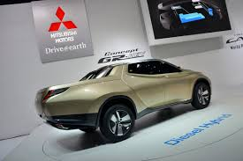 Mitsubishi's Bootylicious GR-HEV Concept is an L200 Pickup from ...