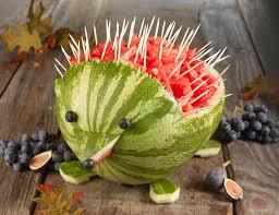 decoração com melancia: ouriço de melancia