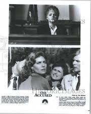jodie foster the accused  1988 press photo jodie foster and kelly mcgillis in the accused by paramount