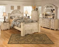 Light Ash Bedroom Furniture Saveaha Light Brown Wood 5pc Bedroom Set W Queen Poster Storage