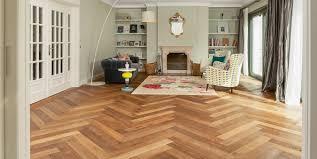 Und welche farbe sollte der bodenbelag haben? Parkett Robuster Boden Aus Holz Bau Welt De
