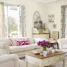 Vintage Living Room Decorating Idea.