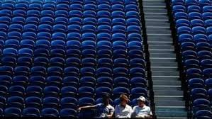 The australian open tennis tournament will proceed without crowds over the next five days after the state of victoria was placed under a snap lockdown from midnight on friday to contain a fresh. 9loo5vnf 8pv2m