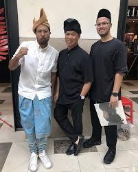 Muhyiddin yasin haberleri ve muhyiddin yasin hakkında en güncel gelişmeleri haber 7'de takip edin. Photos Our 8th Pm Tan Sri Muhyiddin Yassin Is Actually Quite A Hipster In Real Life Lifestyle Rojak Daily