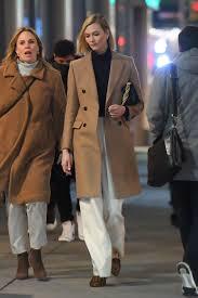 Karlie Kloss Seen out for a night walk ...